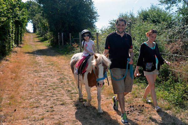 Centre equestre Mané Guernehué Baden Golfe du Morbihan balades et promenades en main